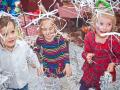 Заказать бумажное шоу на детский праздник в Москве.