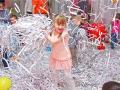Заказать недорого бумажное шоу на детский праздник в Москве.