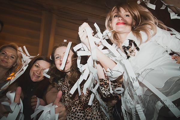 Заказать бумажное шоу на праздник,свадьбу,корпоратив недорого в Москве!