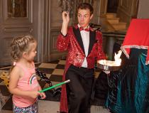 Заказать детского фокусника на праздник в Москве