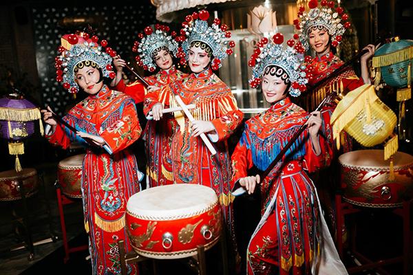 Заказать шоу китайских барабанщиков на праздник в Москве