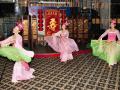 Заказать китайский танец с веерами на мероприятие в Москве
