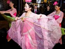 Китайский танец с веерами на мероприятие в Москве