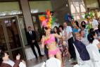 Артисты яркого латиноамериканского и бразильского шоу на праздник в Москве, на международном Евразийском форуме.