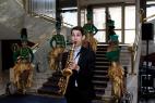 Профессиональный саксофонист-виртуоз с приятными композициями, на международном Евразийском форуме.