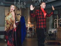 Заказать шоу моментальная трансформация костюмов недорого в Москве
