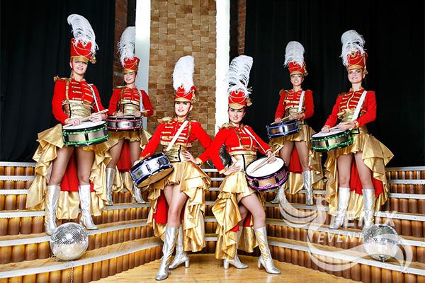 Ансамбль барабанщиц на праздник в Москве