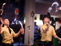 Огненное бармен шоу флейринг