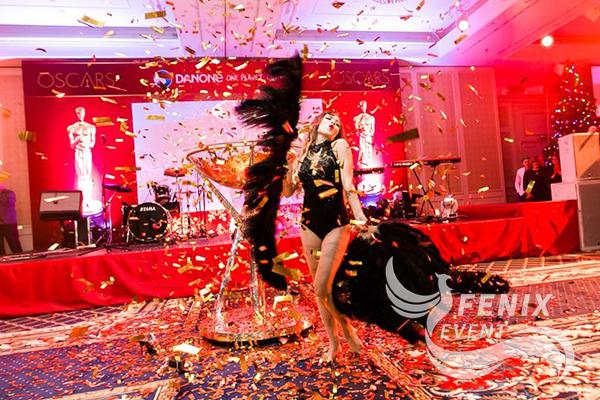 Шоу девушка в бокале Москва