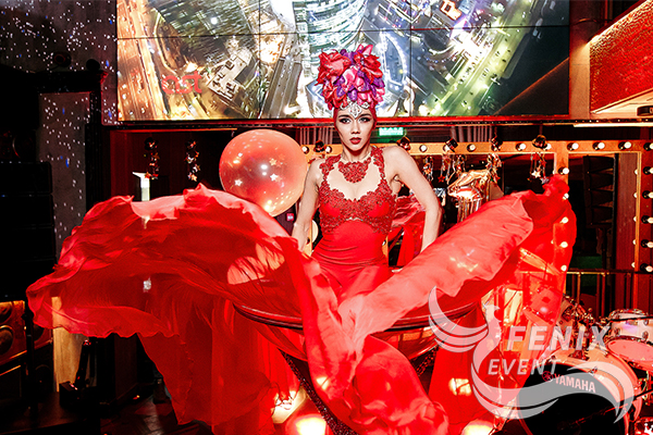 Заказать шоу девушка в бокале на праздник, корпоратив Москва