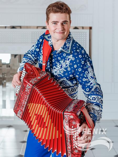 Гармонист на велком Москва