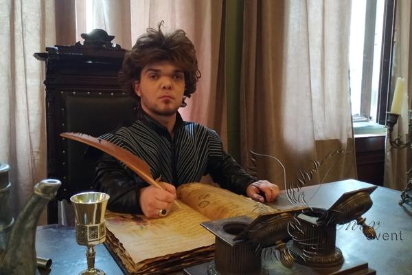 Маленький артист карлик в образе Тириона Ланистера Москва заказать