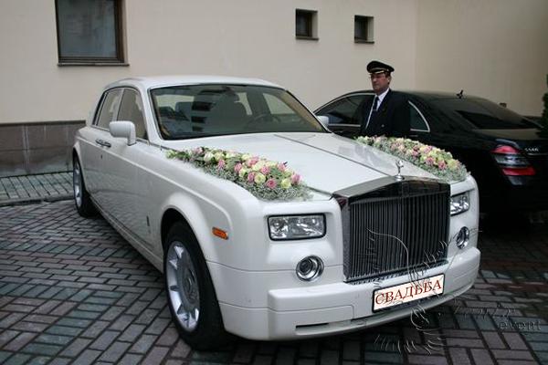 Аренда автомобилей на свадьбу москва