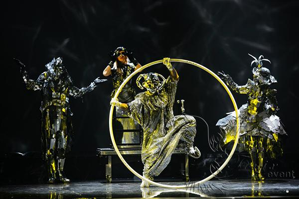 Заказать недорого иллюзионное шоу с зеркалами в Москве