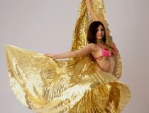 Яркий и красивый танец