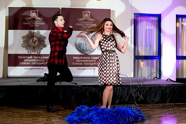 Заказать лучшее шоу трансформации костюмов в Москве