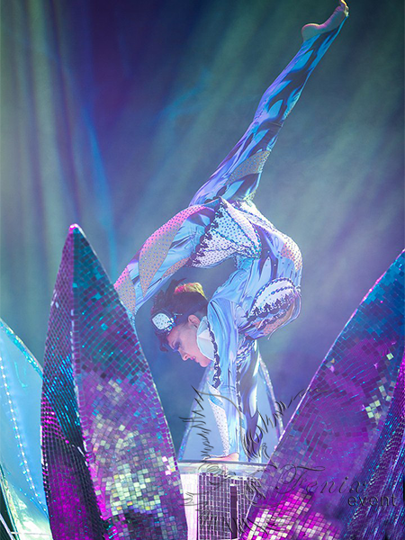 Заказать недорого на праздник в Москве цирковое акробатическое шоу