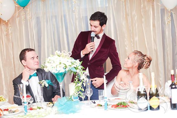 zakazat-vedushhego-na-svadbu-moskva-nedorogo