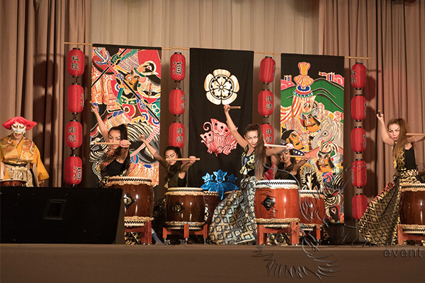 заказать шоу японских барабанщиков японские танцы москва тайко на праздник