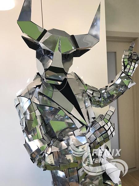 Человек в зеркальном костюме на праздник, свадьбу, корпоратив Москва