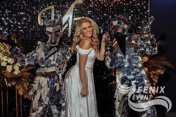 Заказать артистов в зеркальных костюмах на свадьбу, праздник, корпоратив Москва