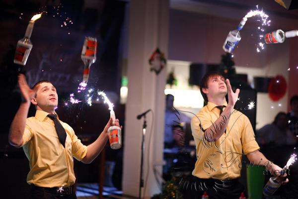 Заказать бармен шоу на свадьбу в Москве