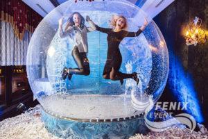 Снежный шар для фотозоны на праздник недорого Москва