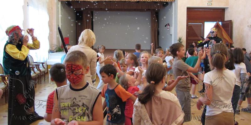 Герои русских сказок на детском празднике