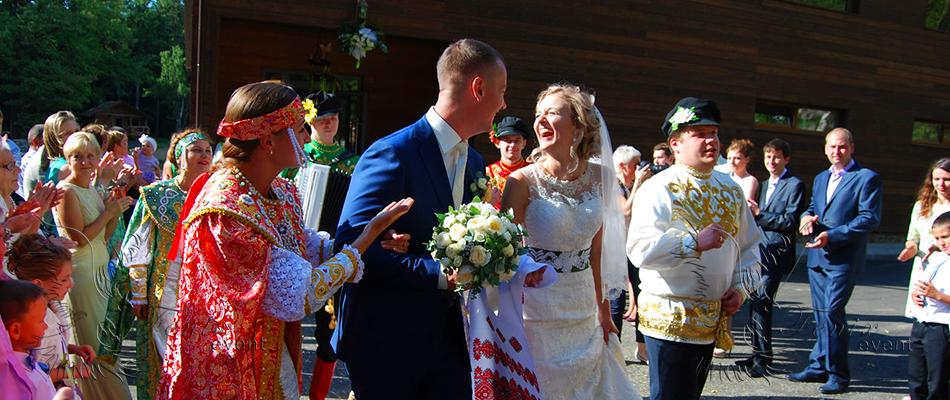 Фольклорный ансамбль на свадьбу недорого в Москве