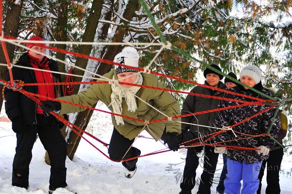 Верёвочный курс тимбилдинг зимой в Москве