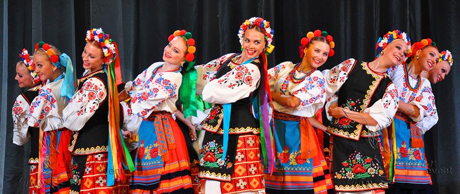 Заказать танцевальный коллектив недорого на праздник в Москве!