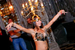 Восточный танец живота со свечами