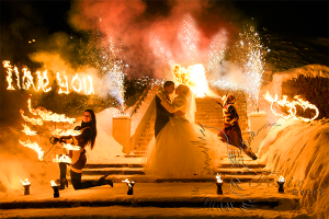 Заказать недорого, фаер шоу, огненное шоу на свадьбу в Москве!