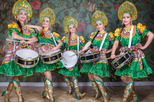 Оркестр барабанщиц на праздник в Москве