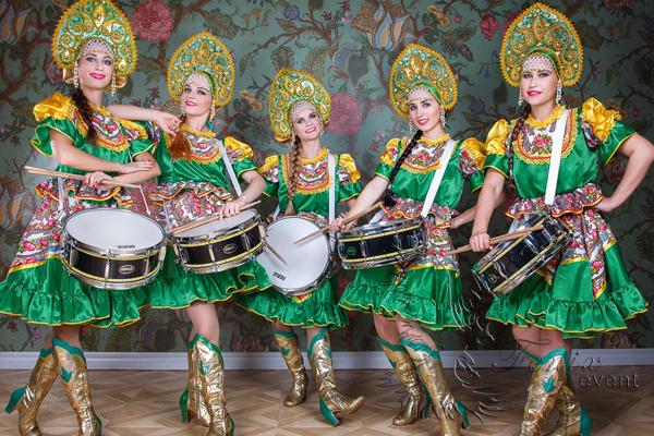 Шоу барабанщиц на масленицу в Москве