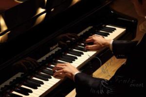 Пианист на Новый год