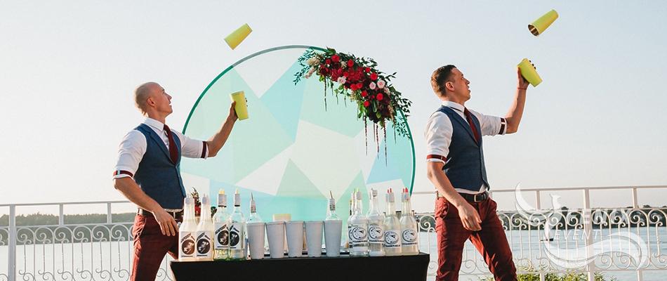 Заказать бармен шоу на праздник Москва. Заказать бармен шоу на праздник в Москве.