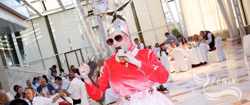 Двойник Верки Сердючки на праздник свадьбу и юбилей в Москве - заказать шоу двойников на праздник Москва